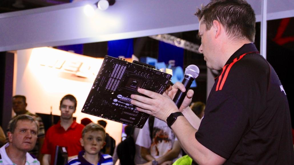 DrWeez teaching at the MSI Gaming PC Workshop